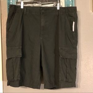 NWT Old Navy Charcoal Gray Cargo 40 Tall Shorts